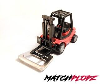 LINDE Fork Lift Bottle Opener Toy Car from MATCHPLOPZ vintage Retro Gift Birthday Present Friend Man red
