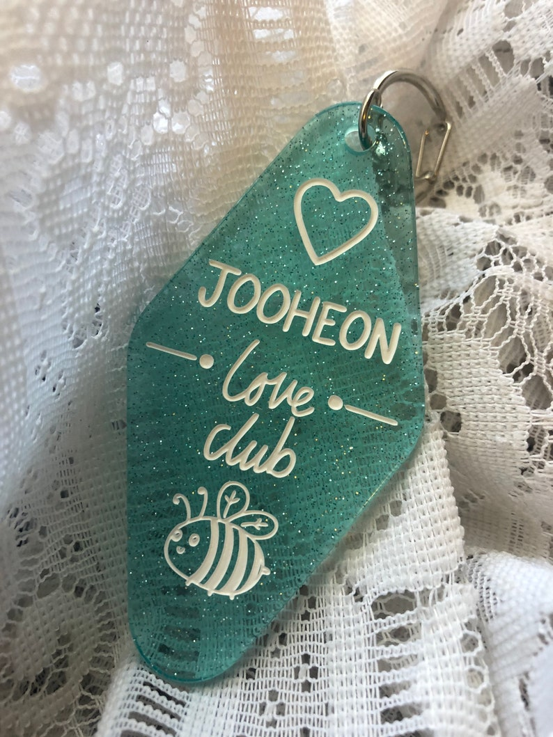 Monsta x JOOHEON Love Club Hotel Keychain Fan made Kpop Keychain cute bee