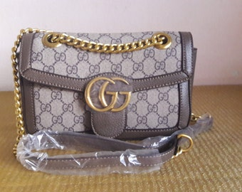 5ad86e00391 Gucci shoulder bag