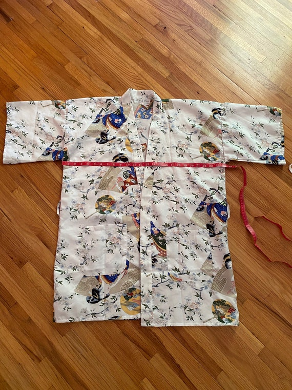 Lady Diana white with colorful Asian motif short … - image 6