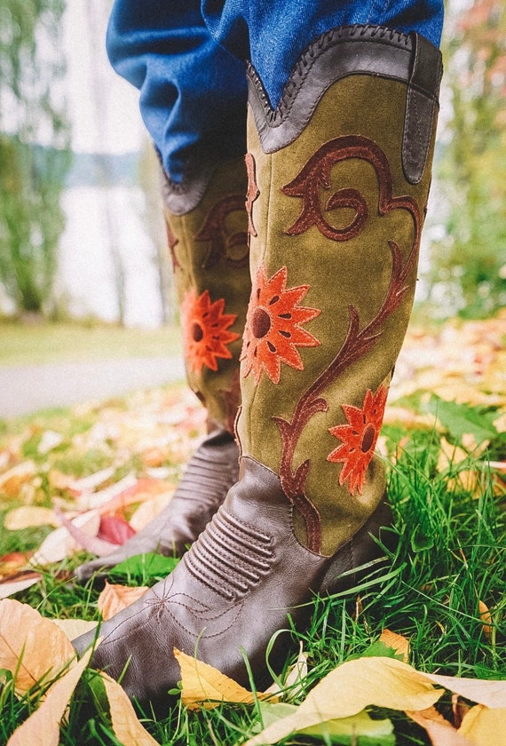 Western fall floral western boot