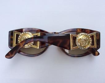 691d49d4583 Vintage Gianni Versace MOD 424 C RH 869 OD Sunglasses