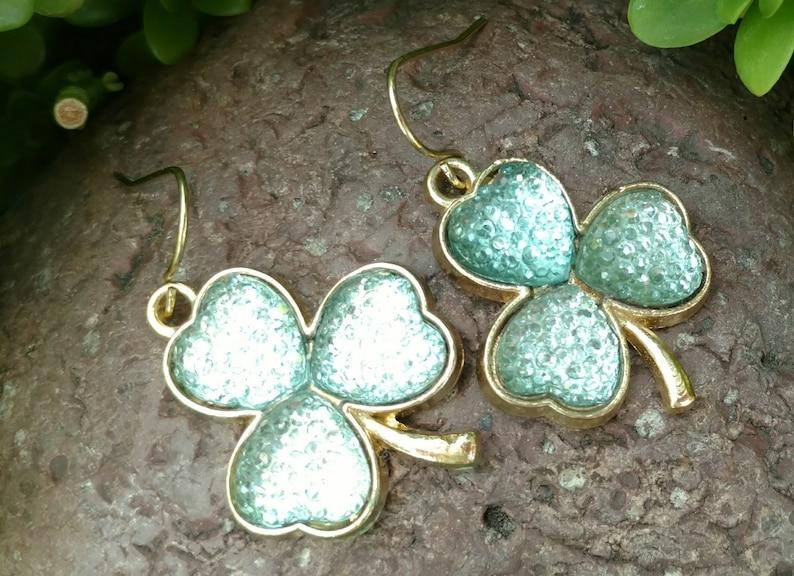 Bridal Jewelry Drop earrings three leaf clover earrings Green Earrings drop Earrings Beaded Earrings Earrings Dangle Earrings