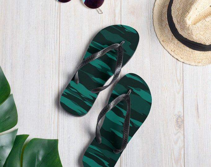 GREEN Camouflage FLIP-FLOPS Unisex Sandals with Camouflage Print and Black Thong Flip-Flops Footwear for Men Women Unisex Sandals Beachwear