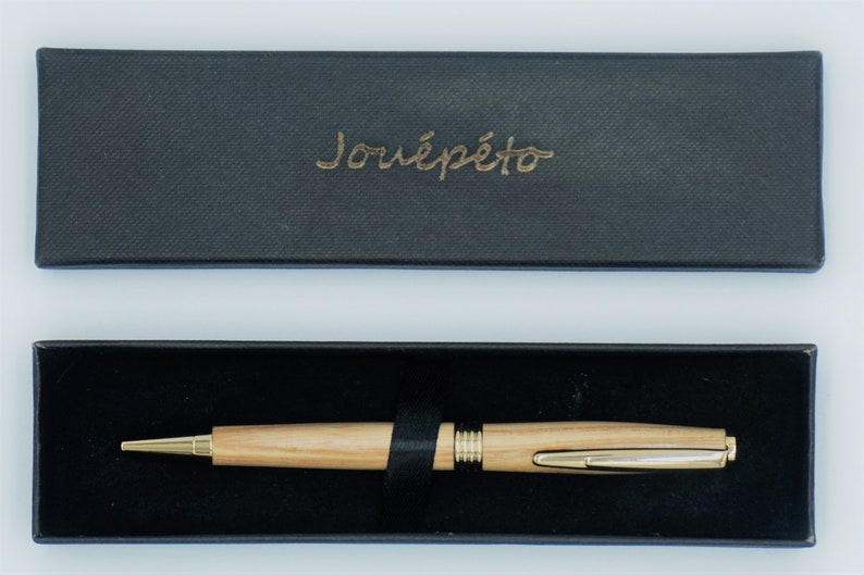 Wood pen shot Flaubert