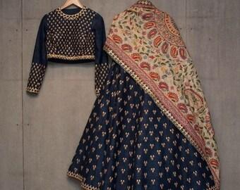 0dc19db4738 Indien mariage Lehenga mariage fête porter designer Bangori soie Lehenga  choli robes de demoiselle d honneur Lehenga pakistanais brodé Lehenga