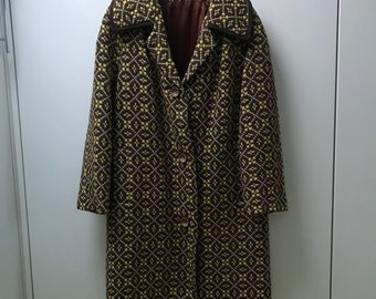 1960's women's welsh wool tapestry coat - full length in a gorgeous colour combination of mustard yellow and brown. Approx size 12-14