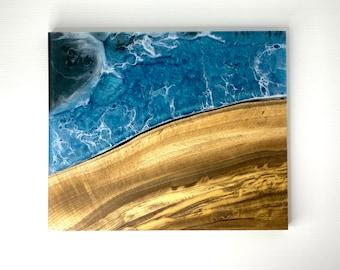 Ocean Serving Board made of Live-edge Figured Myrtle Wood & Epoxy Resin