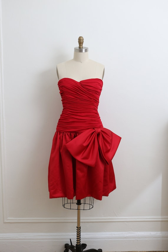 VINTAGE 1980's RED strapless cocktail dress with l