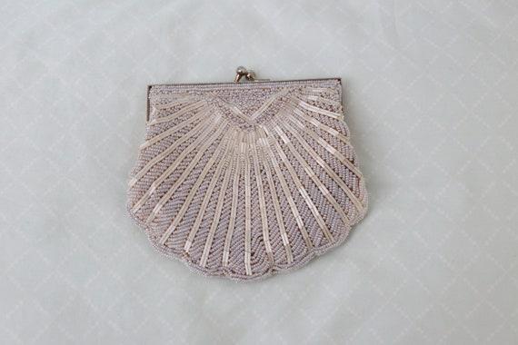 Vintage 1960's handmade ivory beaded seashell clut