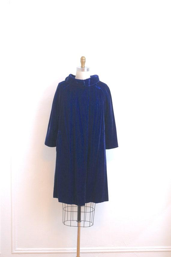 VINTAGE Royal Blue velvet opera coat with faux fur