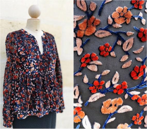 High velvet flowers / chic velvet blouse