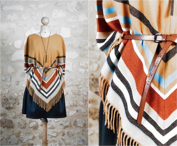 Poncho fringed / poncho stripes / vintage beige po