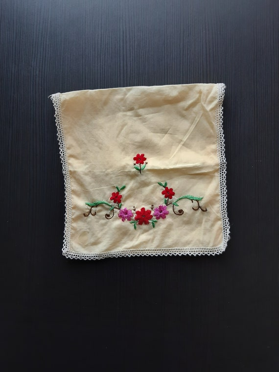 Vintage handkerchief pouch, handkerchief holder/ba