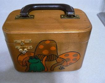 2163a90d5931 Wood Purse/Sewing Box