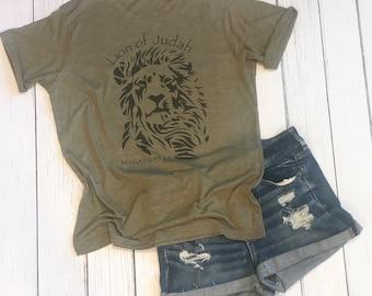 Lion of Judah Graphic Tee / Bible Verse Tee / Revelations 5 Tee / Christian Inspired Shirt / Bible Quote / Unisex Adult Tee / Scripture Tee