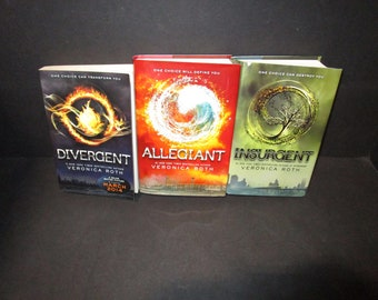 Divergent Trilogy by Veronica Roth - Choose Your Own