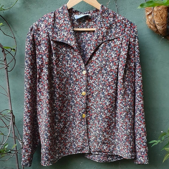 Cute 1980s 'Any Wear' floral shirt // retro/vintag