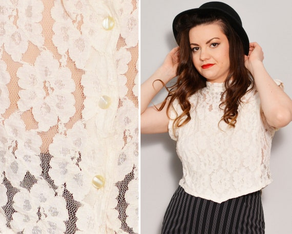 80s Floral Lace Off White Top | Mockneck Buttoned