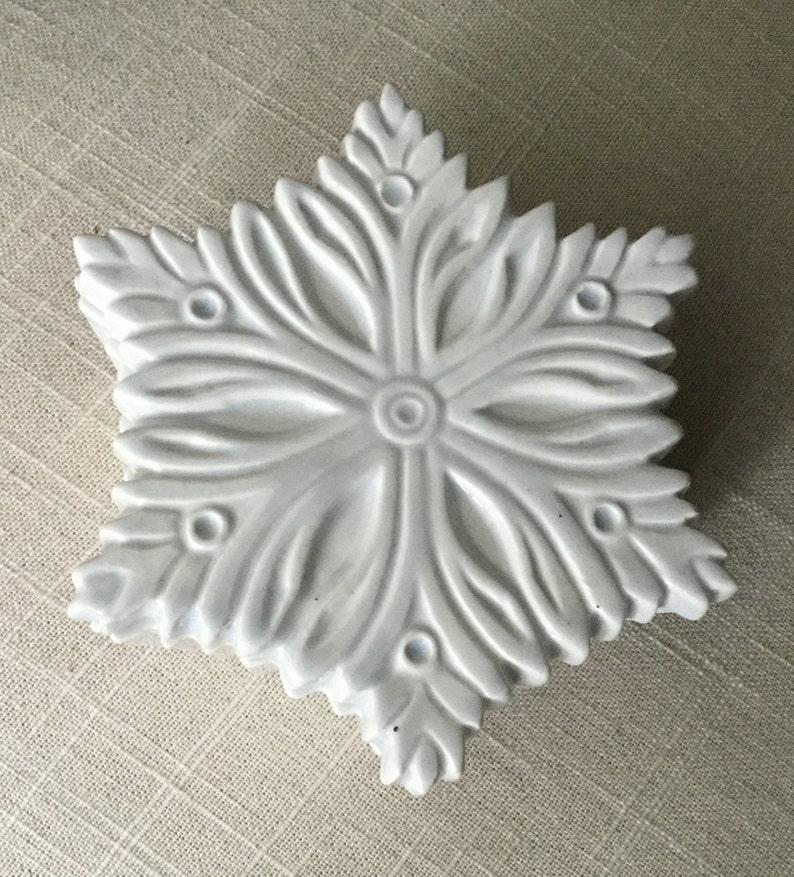 White Snowflake Ceramic Trinket Storage Box