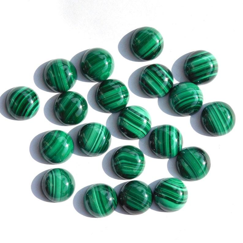 Semi precious GemstonesCabs. 10 PCs 8x8 mm Round Natural Malachite Cabochon Loose Gemstone Back Side Flat Stones
