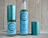 Sweet Kiss Organic Essential Oil Roller Parfum Blend