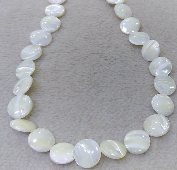 8MM SHELL GEMSTONE WHITE FLAT ROUND CIRCLE COIN 8MM LOOSE BEADS 15.5/""