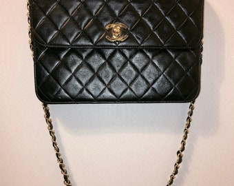 bcbcdc080eb4 Authentic Vintage CHANEL Flap Quilted Lambskin 2 Way Hand Carrie and Shoulder  Bag