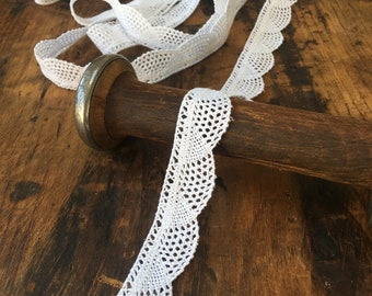 """Sewing//Crafts x 3 m 2.5cm//1/"""" Pretty White//Iridescent Gathered Frilled Lace Trim"""