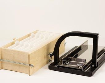 Soap making kit : soap cutter + soap mold wood
