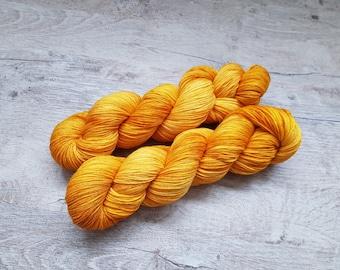 MCN - Gold Rush - Handdyed Yarn Knitting Crochet 80/10/10 Merino/Cashmere/Nylon