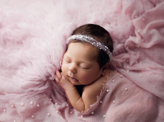 Beautiful and very tender light pink baby headband with pearls for a girl,baby wreath,infant headband,photoshoot prop,baby halo,baby tieback