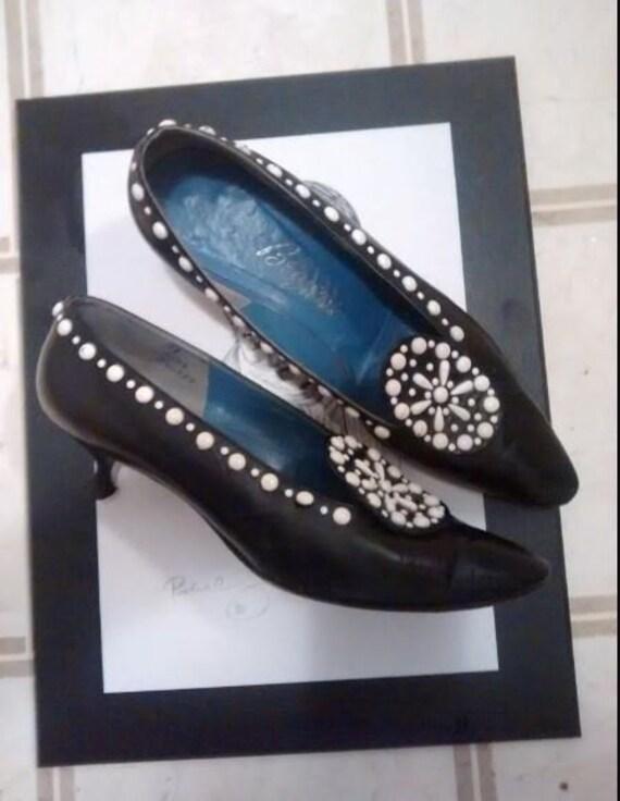 Berger's Buffalo vintage black leather piano heel
