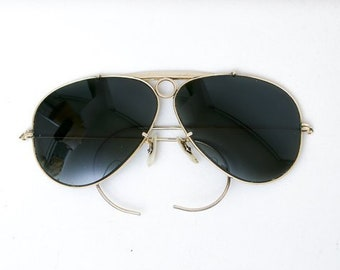 5c5ce322ed 1950s Ray Ban Bausch And Lomb 1/10 12K GF Bullet Hole Aviator Shooter  Sunglasses Rayban Rare Vintage