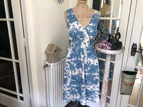 TOILE De JOUY DRESS Size 10 (U.K.)