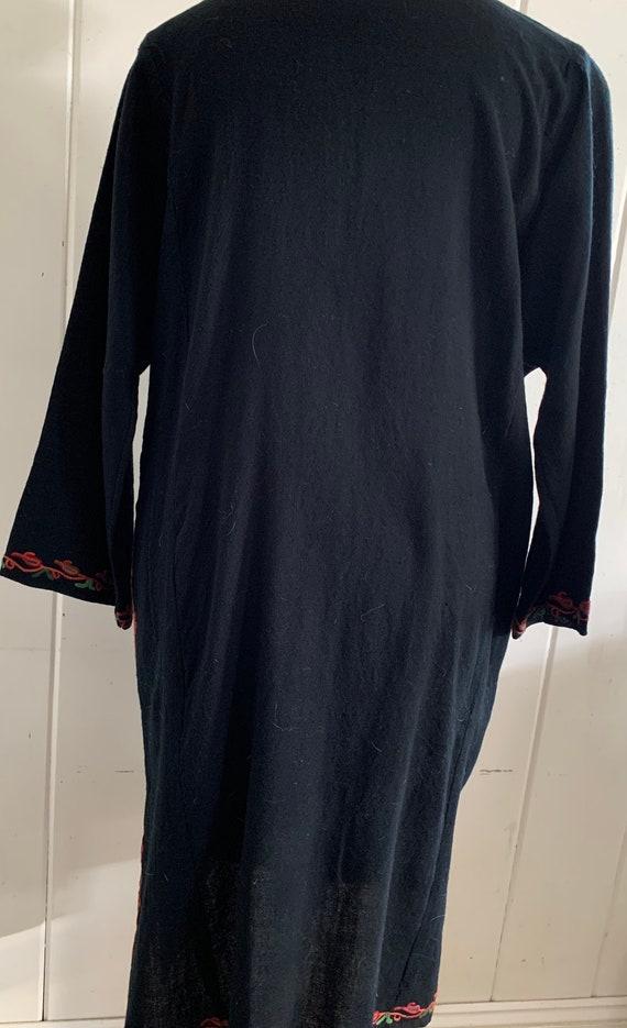Vintage boho embroidered dress - image 4