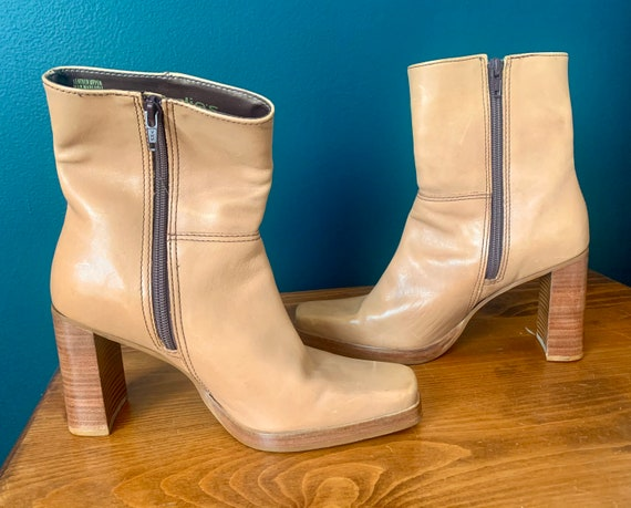 Y2K 90's Tan Leather Stacked Heel Square Toed Boo… - image 4