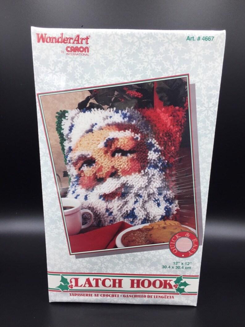 "Caron Wonderart Latch Hook Kit 12/""X12/""-Heart Wreath"