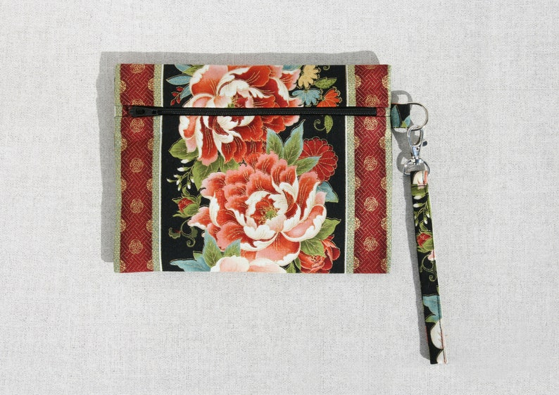 May Wristlet PDF sewing pattern bag pouch three sizes image 0