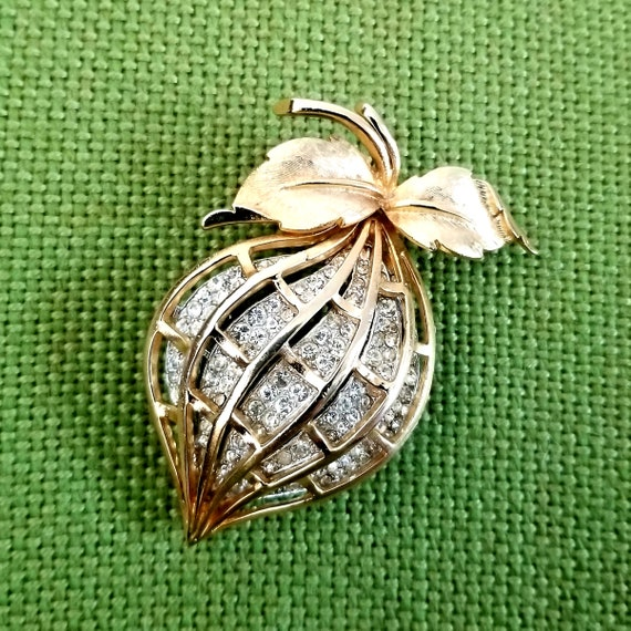 1940's Coro Pave' Crystal Fruit Brooch