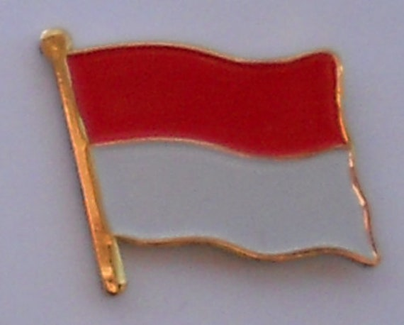 MONACO Country Flag Metal lapel PIN BADGE ..NEW