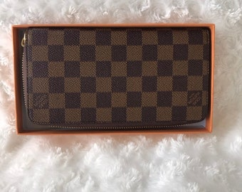 4bf2884061d5 Refurbished Louis Vuitton Damier Zippy Wallet