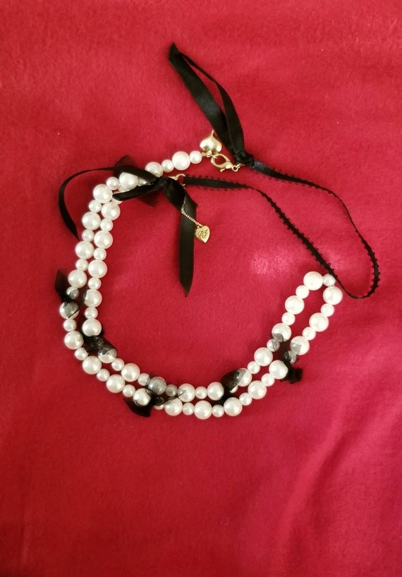 Rare Betsy Johnson Vintage Faux Pearl Necklace