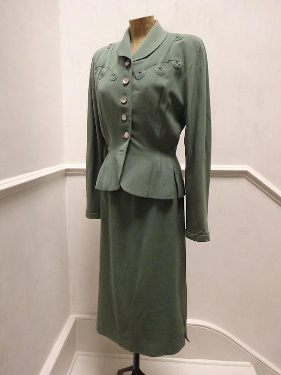 Stunning 1940s AMERICAN GABARDINE SUIT-40s Sage Gr