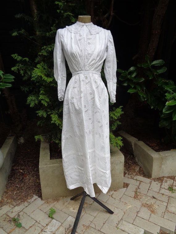 Exquisite Victorian Cotton Dress-Embroidered Cotto