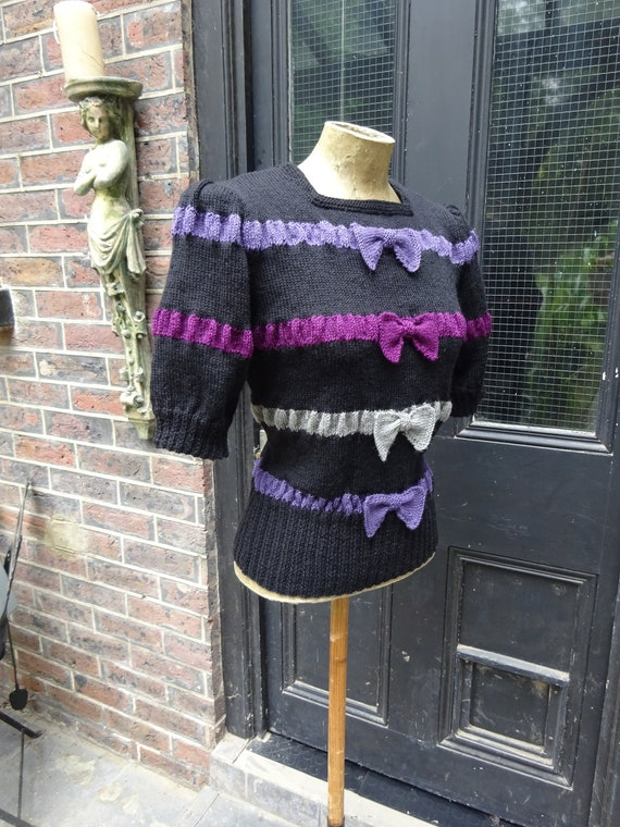 1940s STUNNING BOW SWEATER-40s Stripe and Bow Jump