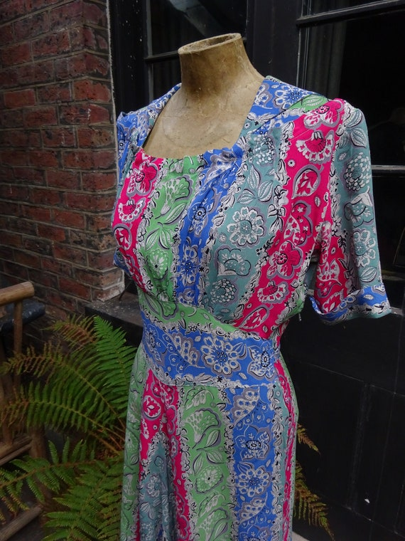 STUNNING 1940s CREPE DRESS-40s Floral Bias Cut Dre