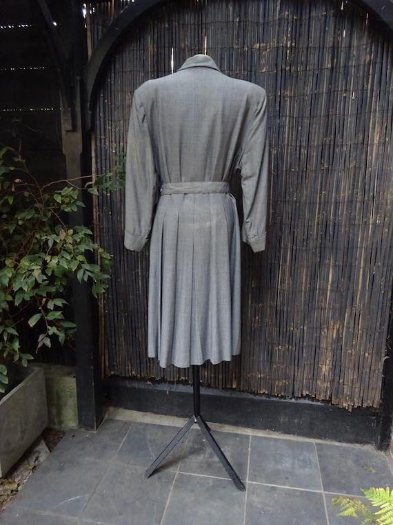FABULOUS 1940s WORSTED COAT-40s Classic Grey Wool… - image 5