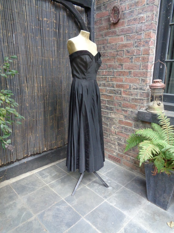 On Hold.......... 1950s TAFFETA EVENING GOWN-50s … - image 3