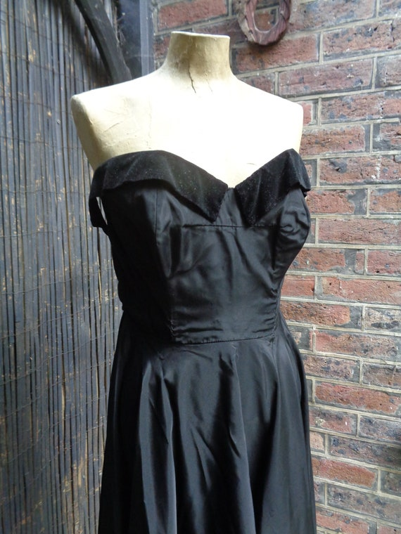 On Hold.......... 1950s TAFFETA EVENING GOWN-50s … - image 5